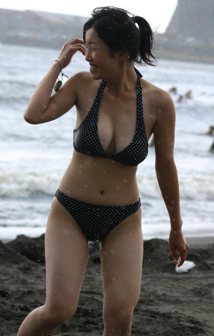 【素人水着エロ画像】寒いから夏場の女の子たちの水着姿でも見てみようずww 14