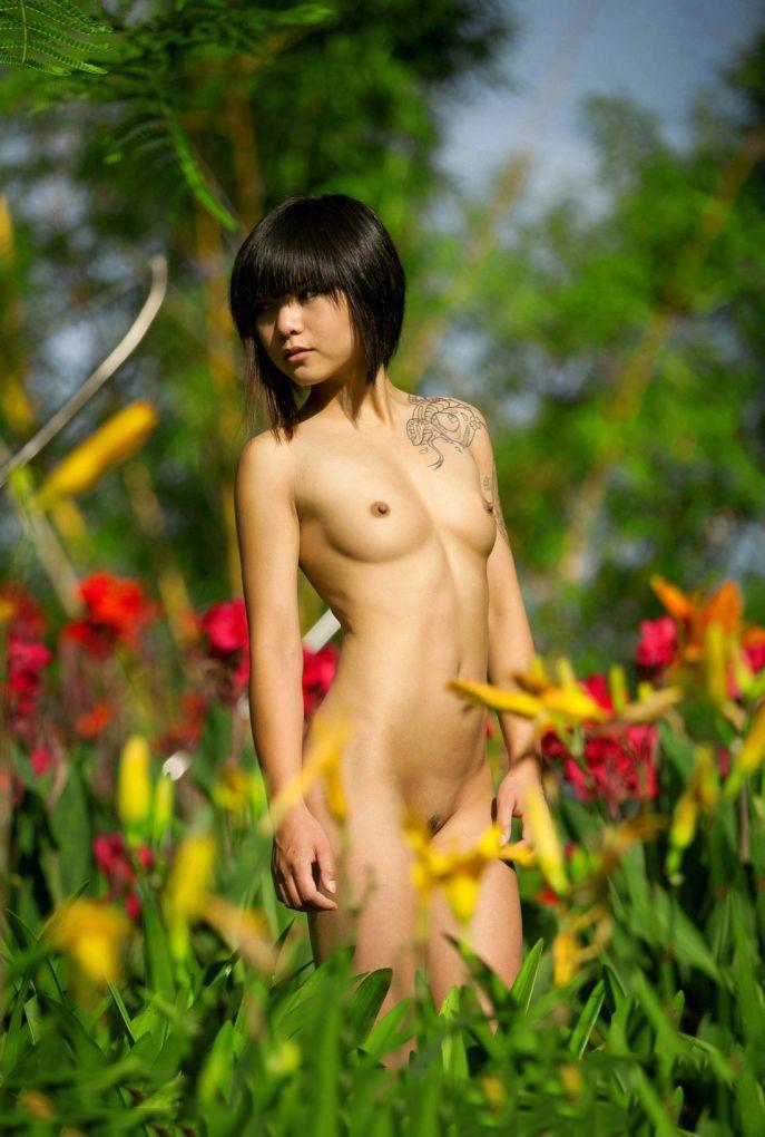 【アジアンエロ画像】これなら抜ける!アジアン女性たちのヌード画像特集! 11