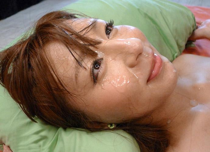 【顔射エロ画像】顔面を精子でドロッドロにされた女の子の表情をご覧ください! 05