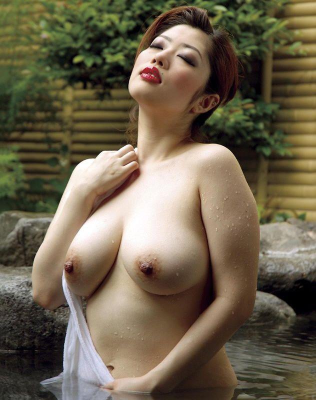 【美熟女エロ画像】上手に年をとった美熟女と言われる熟女たちのエロ画像 23
