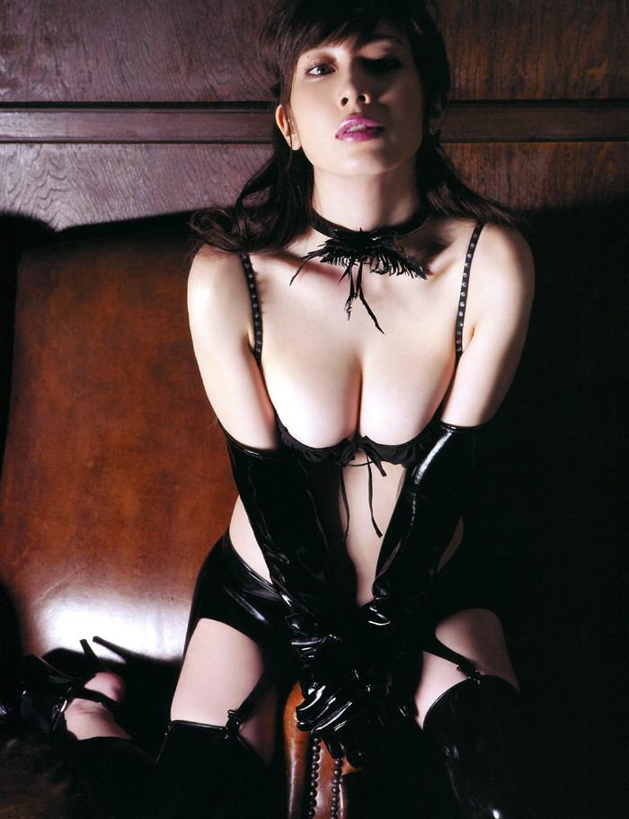 【ボンテージエロ画像】SMクラブの女王様といえばやっぱりこのコスチューム! 09