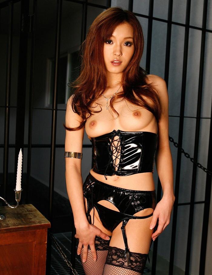 【ボンテージエロ画像】SMクラブの女王様といえばやっぱりこのコスチューム! 23