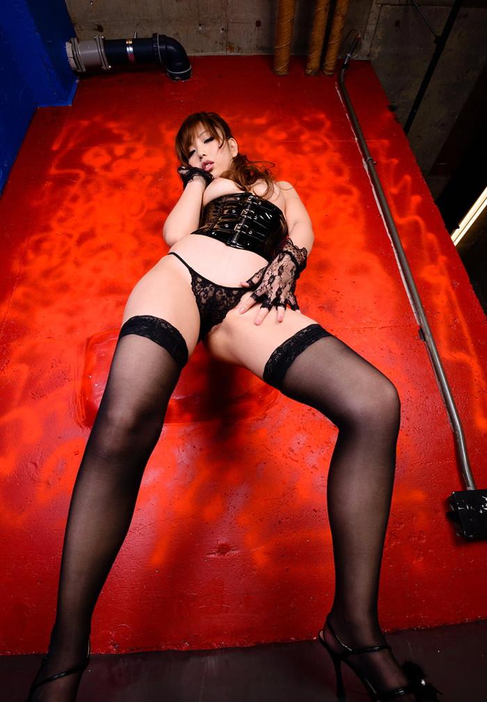 【ボンテージエロ画像】SMクラブの女王様といえばやっぱりこのコスチューム! 27