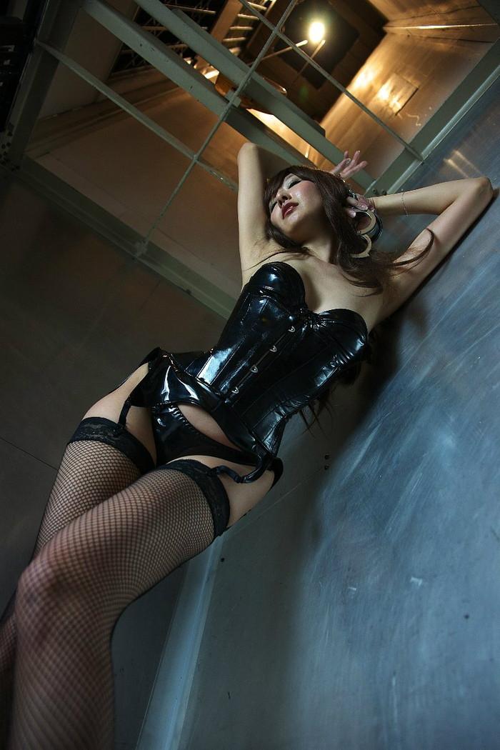 【ボンテージエロ画像】SMクラブの女王様といえばやっぱりこのコスチューム! 29