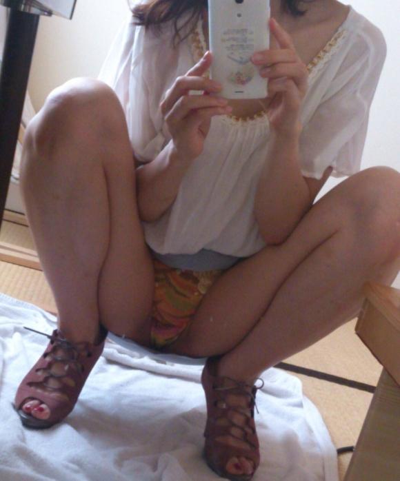 【自撮りエロ画像】素人の女の子たちが自らの恥ずかしい写真を撮影!流出!? 09