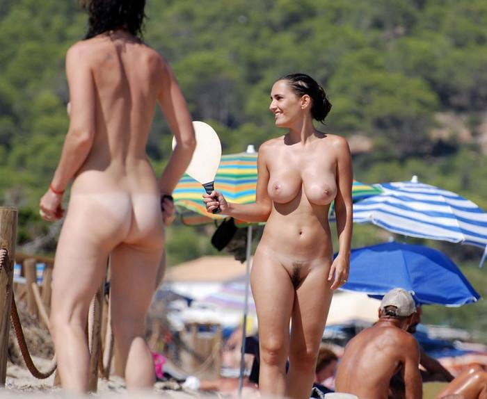 【ヌーディストビーチエロ画像】海外美女の裸が見放題!ヌーディストビーチ! 05