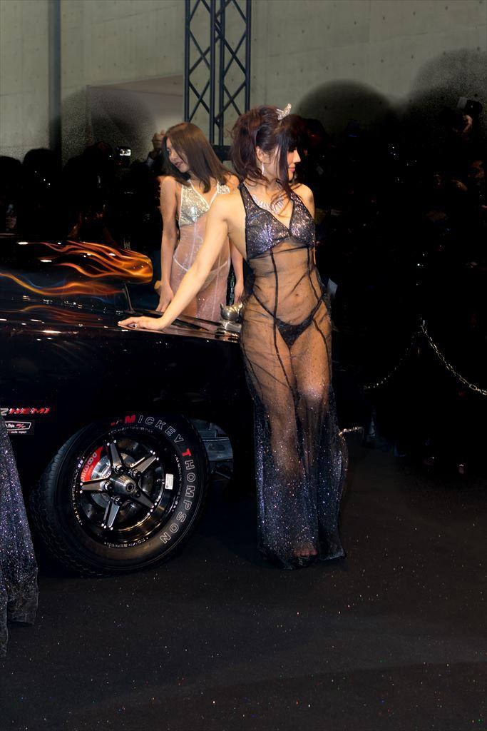 【キャンギャルエロ画像】過激な衣装で大衆を魅了する過激なキャンギャルたち! 25