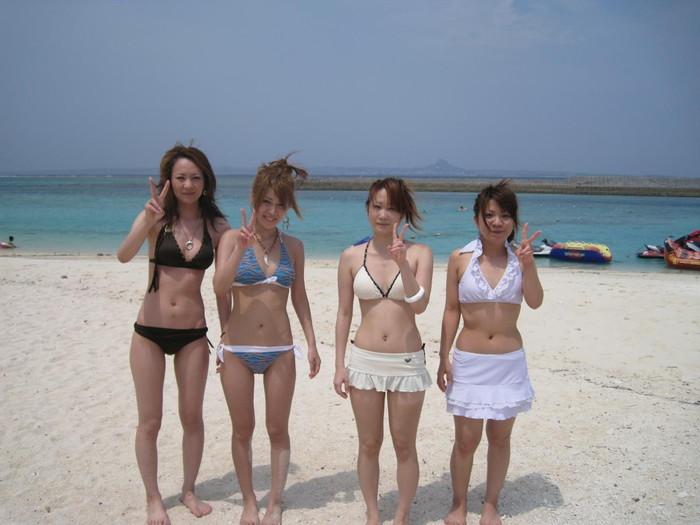 【素人水着エロ画像】素人娘たちのまぶし過ぎる水着姿にフル勃起! 09