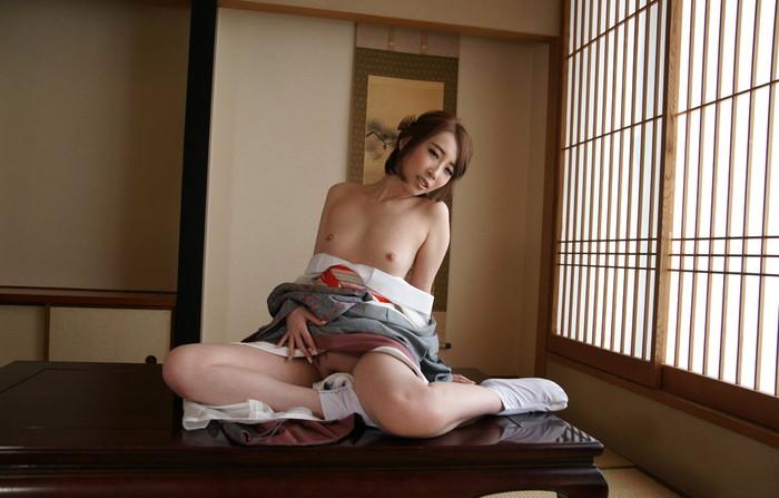 【和服エロ画像】雰囲気ある和服美人たちの艶かしい姿にフル勃起! 17
