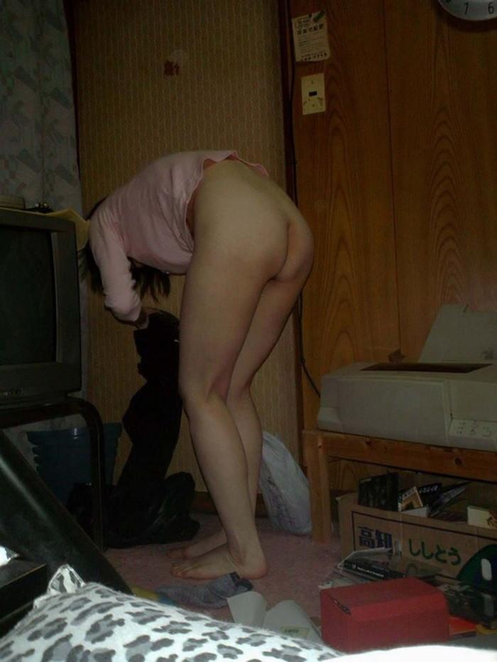 【家庭内盗撮エロ画像】一体誰の犯行!?家庭内で狙われたまんさんたちの末路www 18