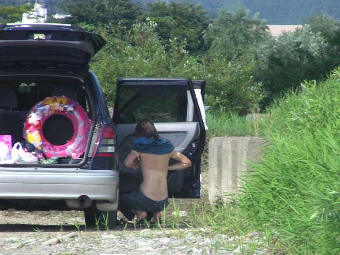 【着替え盗撮エロ画像】素人娘たちの着替えシーンをバッチリ盗撮!www 09