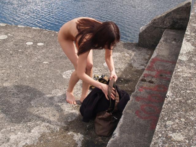 【着替え盗撮エロ画像】素人娘たちの着替えシーンをバッチリ盗撮!www 14