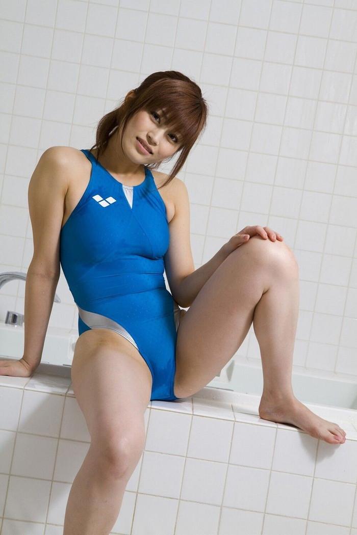 【競泳水着エロ画像】こんなエロい水着が競泳用だと…!?エロ過ぎて草生えたww 14