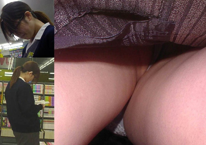 【逆さ撮りエロ画像】え!?マジ!?女の子のスカートの中身を直下から狙ってみた結果www 04