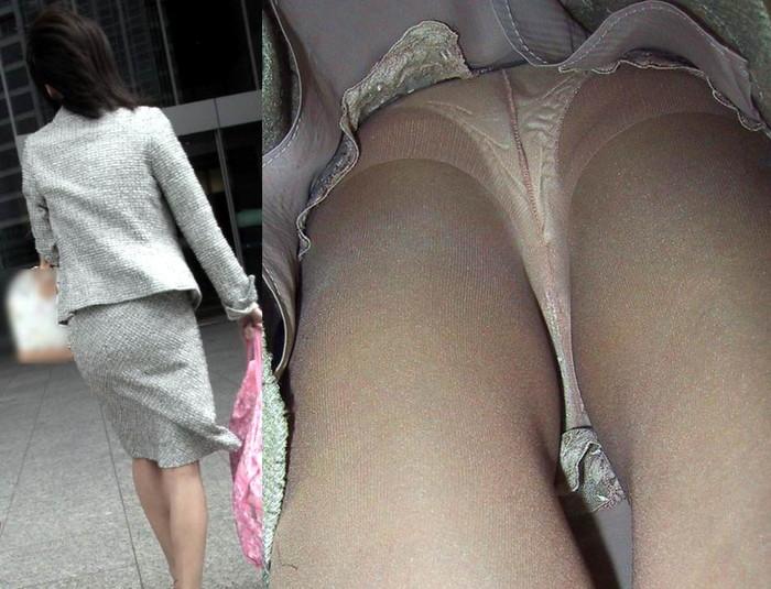 【逆さ撮りエロ画像】え!?マジ!?女の子のスカートの中身を直下から狙ってみた結果www 05
