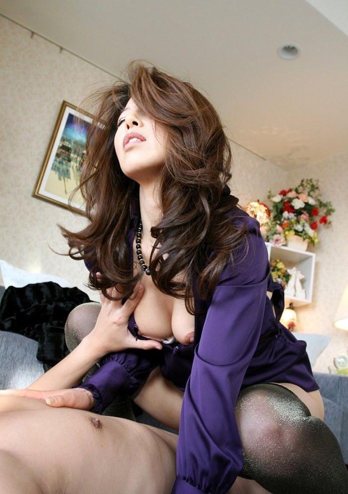 【美熟女エロ画像】若いムスメには無い魅力がたっぷり詰まった美熟女の艶姿! 09