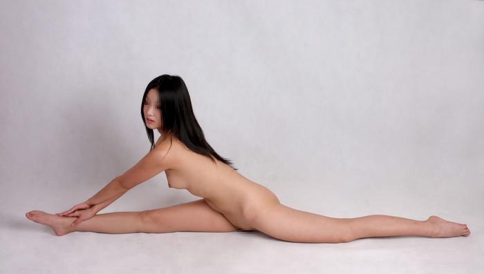 【軟体エロ画像】体の柔らかい軟体女だから可能な数々のプレイwwww 08