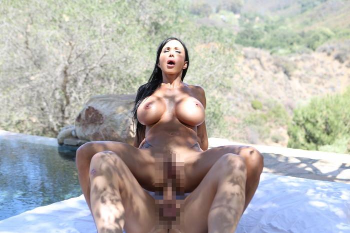 【大陸産セックスエロ画像】大胆なセックス!やっぱり海外のスケールはでかい! 07