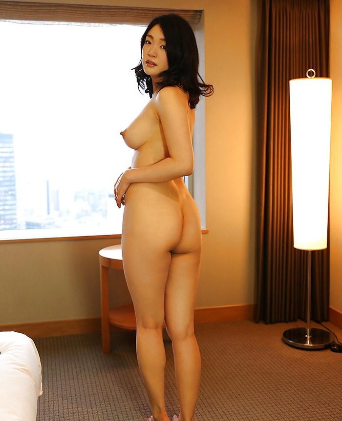 【美熟女エロ画像】年をとっても美しい!こんな熟女なら大歓迎だろ!? 05