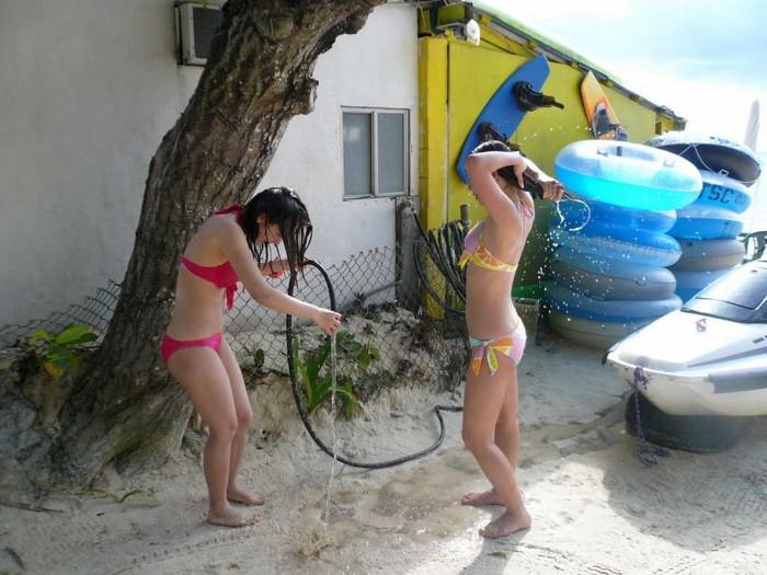 【素人水着エロ画像】素人たちの水着姿ってむ生々しくて興奮するだろ? 13