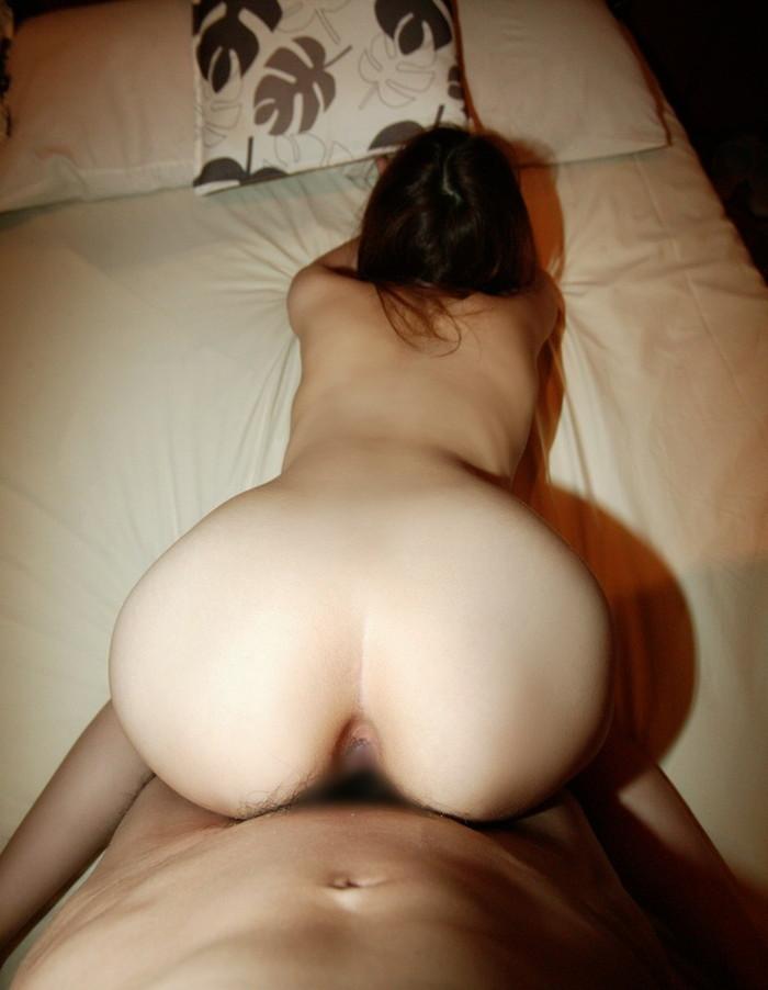 【バックエロ画像】お尻を突き出した女の子に後ろからズブリと挿入!www 13