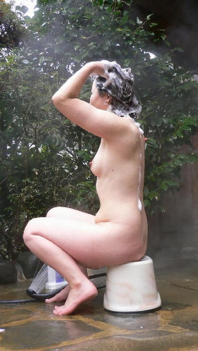 【女風呂エロ画像】入ることが許されないからこそ見てみたい!女風呂特集! 17