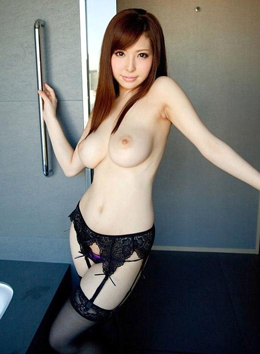 【美乳エロ画像】これだけ綺麗なおっぱいの彼女がいたら最高だと思うんだが!w 06