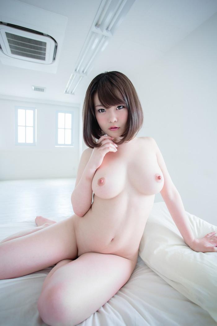 【美乳エロ画像】これだけ綺麗なおっぱいの彼女がいたら最高だと思うんだが!w 17