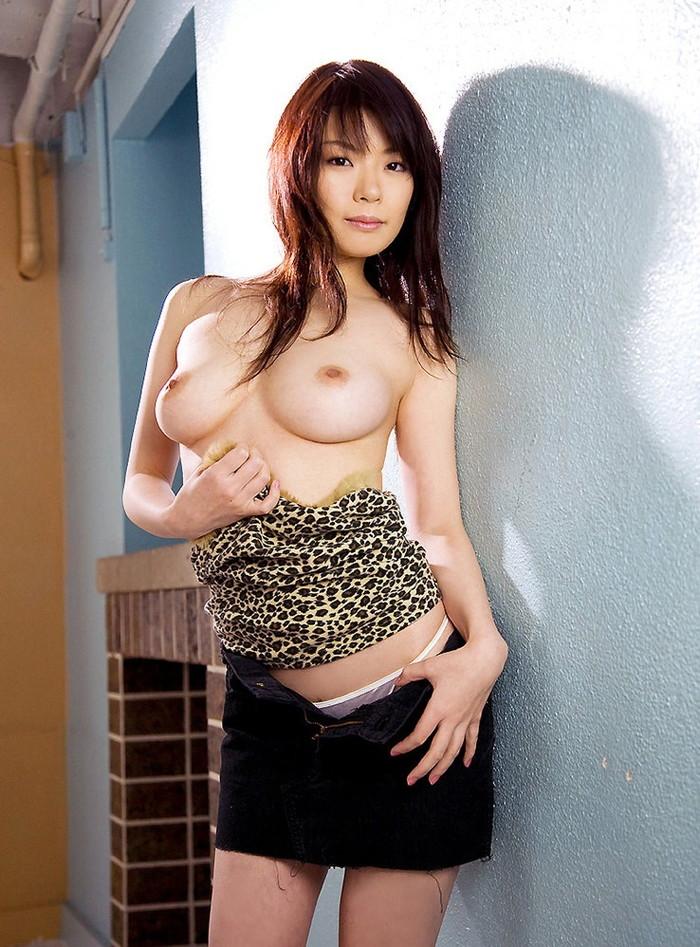 【美乳エロ画像】こんな美乳の彼女がいたら最高だと思う件についてwww 08