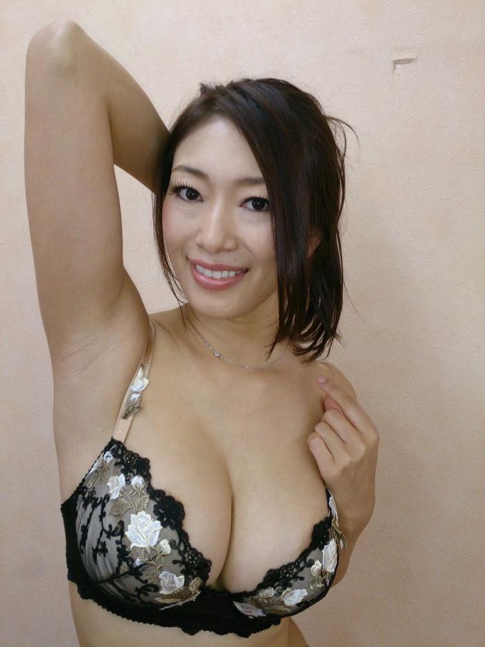 【美熟女エロ画像】年はとっても良く見るととびきりの美人!美熟女特集! 05