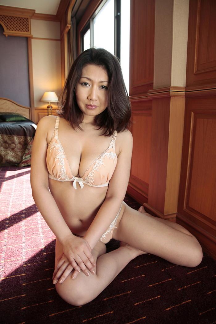 【美熟女エロ画像】年はとっても良く見るととびきりの美人!美熟女特集! 06
