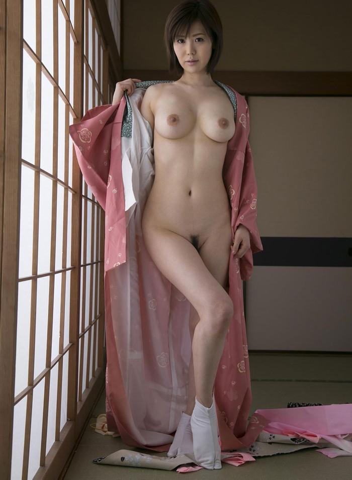 【和服エロ画像】日本の心!古来よりの日本人民族衣装で悩殺する女の子! 04