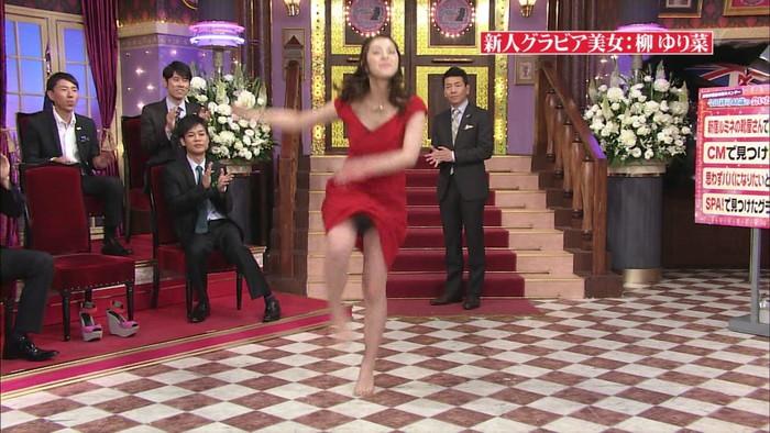 【放送事故エロ画像】ガチでこんなシーンがお茶の間に!?テレビマン「してやったり!」 24