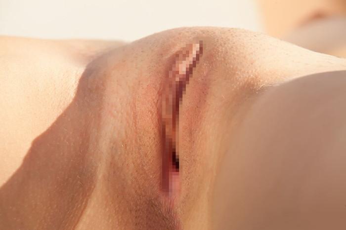 【海外股間エロ画像】卑猥すぎる海外のまんさんの股間にズームイン! 22