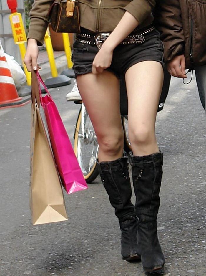 【ホットパンツエロ画像】過激すぎるホットパンツ、見た目にもキケンすぎる!www 18