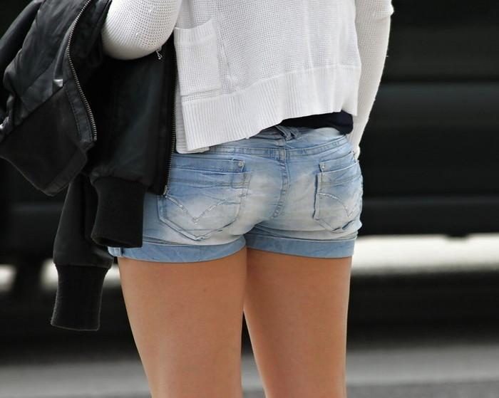 【ホットパンツエロ画像】過激すぎるホットパンツ、見た目にもキケンすぎる!www 20