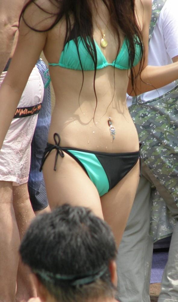 【素人水着エロ画像】この生々しい感じが素人だよな!素人娘の水着特集! 20