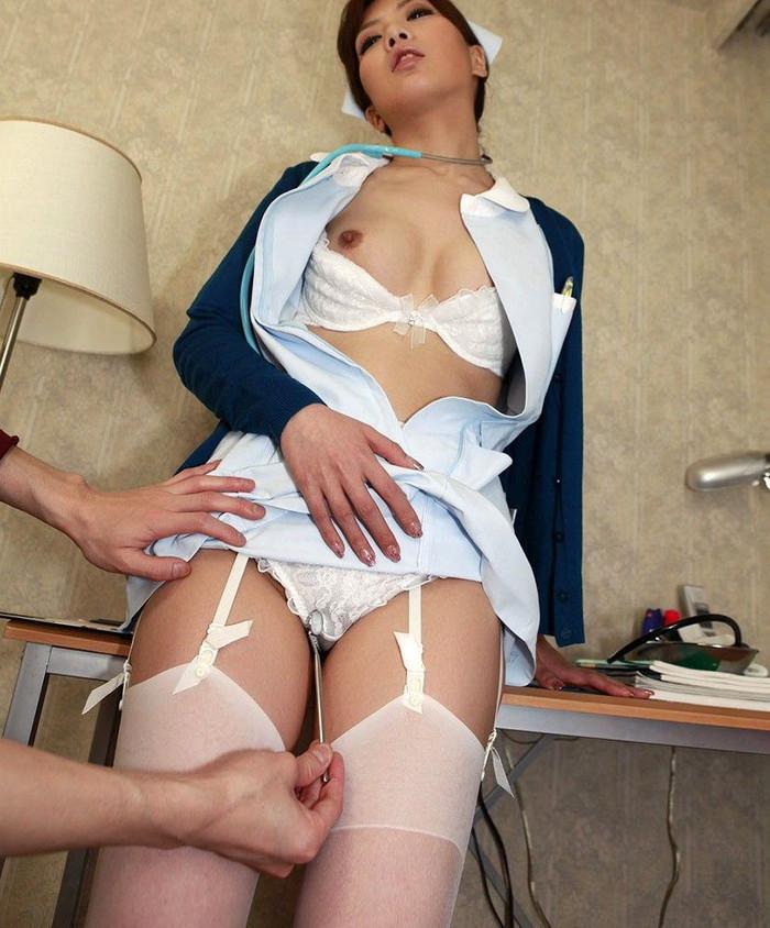 【ナースエロ画像】白衣の天使特集!こんなエロいナースなら入院してもいい! 01