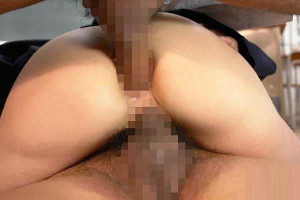 【2穴セックスエロ画像】前の穴にも後ろの穴にもチンポ突っ込んだろ!ってやつw 26