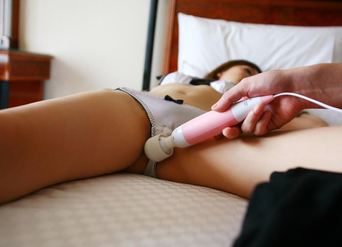 【電マ責めエロ画像】電マの刺激にアンアン喘ぎまくり!電マで責められる女の子 17