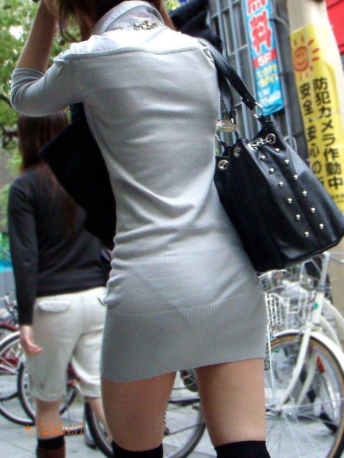 【着衣透けエロ画像】街中で見かけた着衣が透けてしまっている女の子! 07