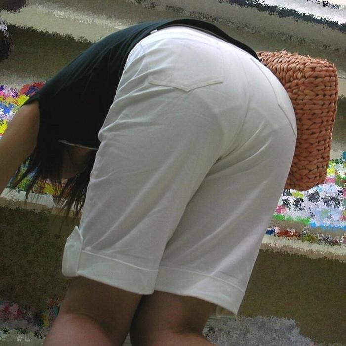 【着衣透けエロ画像】街中で見かけた着衣が透けてしまっている女の子! 09