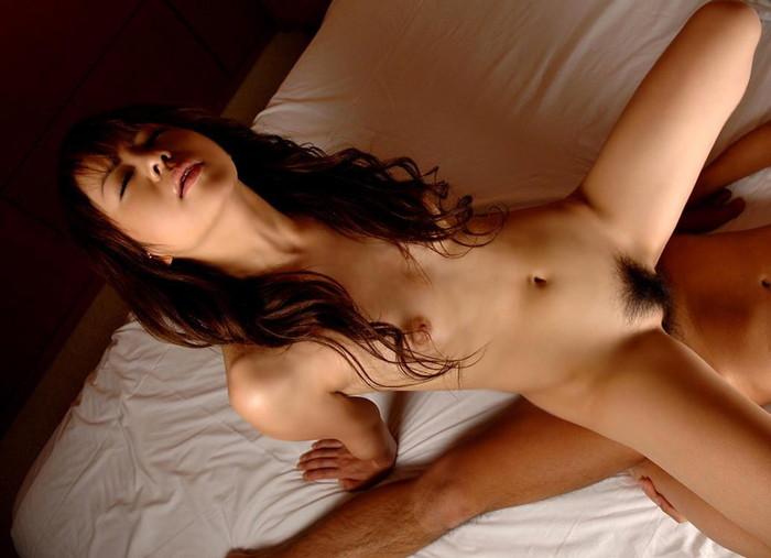 【騎乗位エロ画像】肉食系女子に人気のセックスの体位といえばやっぱり騎乗位!?