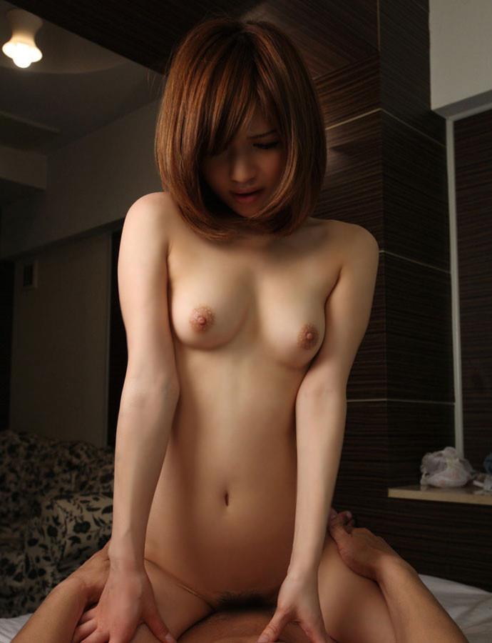 【騎乗位エロ画像】肉食系女子に人気のセックスの体位といえばやっぱり騎乗位!? 22