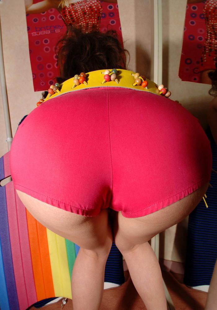 【ホットパンツエロ画像】視線が熱い!こんなもの履いていればそりゃ視線も集まるわなww 06