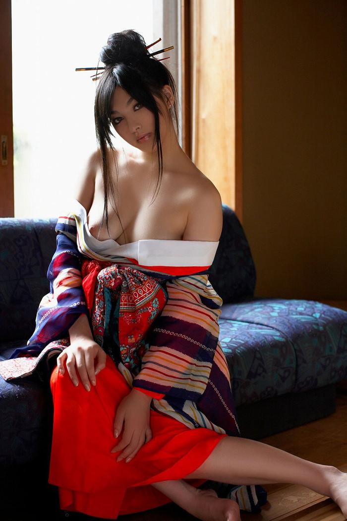 【大和撫子エロ画像】大和撫子といえば和服姿のエロいおねーさんだと思うんだw 11