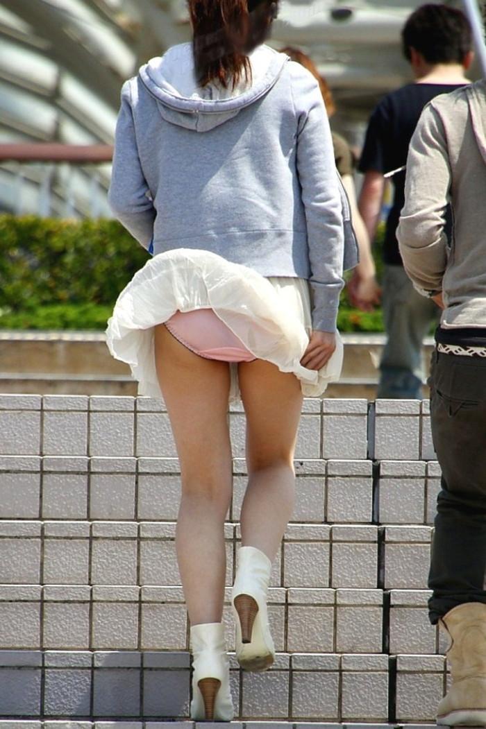 【風パンチラエロ画像】スカートが風が舞い上がる→撮った!ってやつw 24