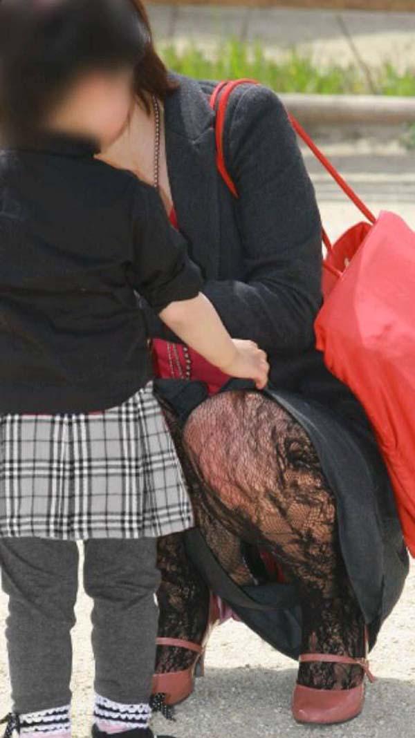【パンチラエロ画像】見せる前提ではない素人娘たちの偶然のエロスが最高! 15