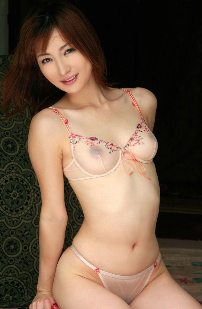 【シースルー下着エロ画像】まるで全裸!?スケスケのシースルー下着の女の子! 05