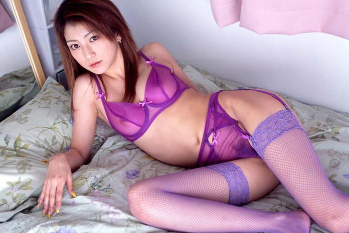 【シースルー下着エロ画像】まるで全裸!?スケスケのシースルー下着の女の子! 17